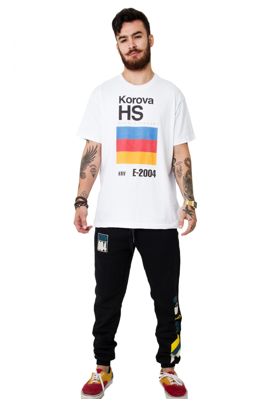 Camiseta (regular) Korova VHS Polaroid Branca