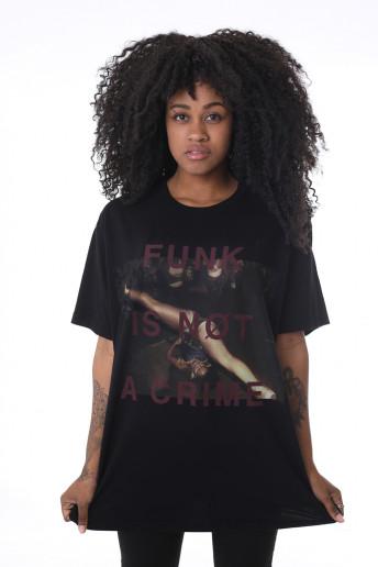 Camiseta Korova Not a Crime Preta